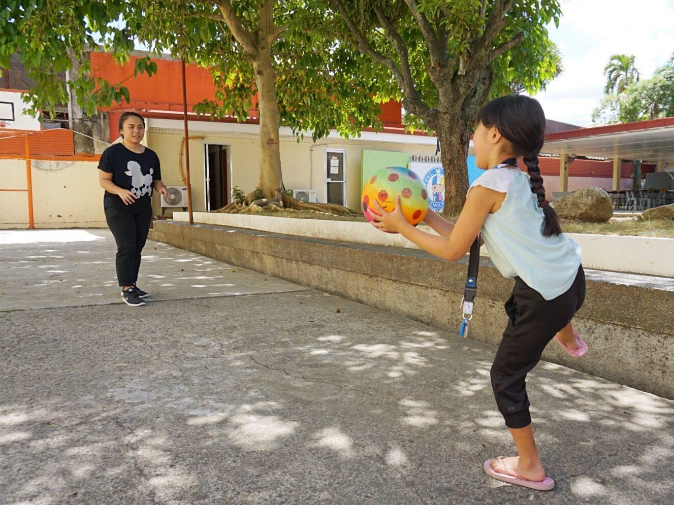 子供のアクティビティレッスンは運動しながら英語も学べるレッスン