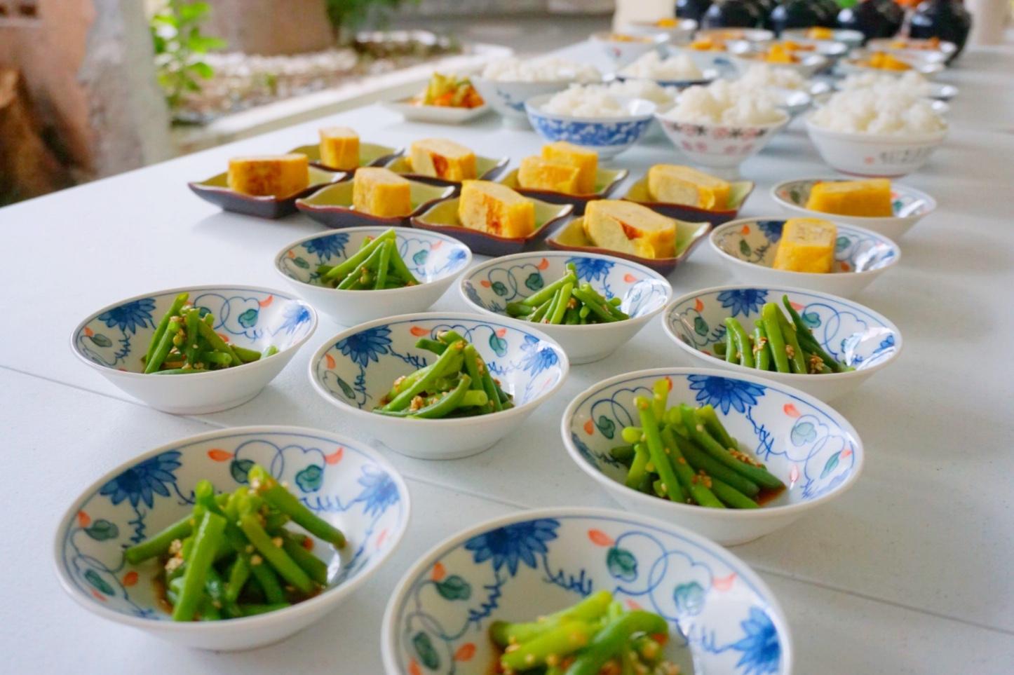 野菜もバランスよく、ベジタリアン対応もOK!! 健康的なタカハリランチです