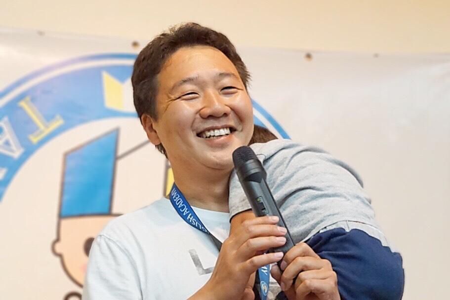 ENGLISH CAMP 主催の戸田輝氏も親子留学に