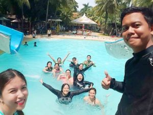TAKA HARI 講師、スタッフの休日アクティビティ Tubod flowing water resort
